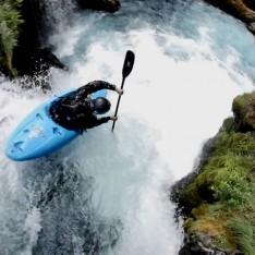 avex-kayaking